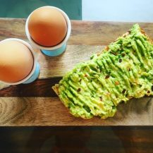 Scrambled egg with avocado toast
