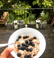 Cinnamon & blueberry porridge